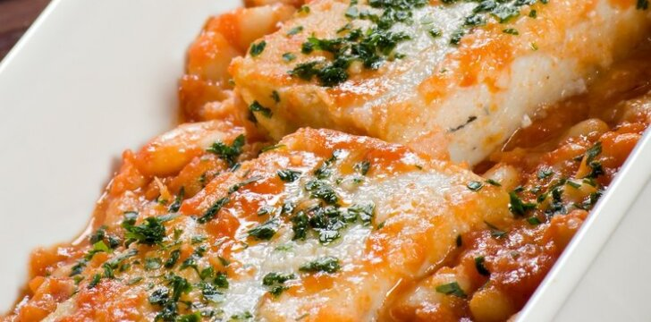 Žuvis aštriame pomidorų padaže