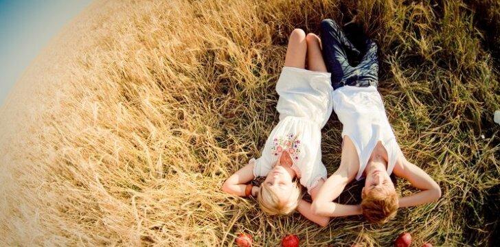 4 laimingų santykių per atstumą priesakai