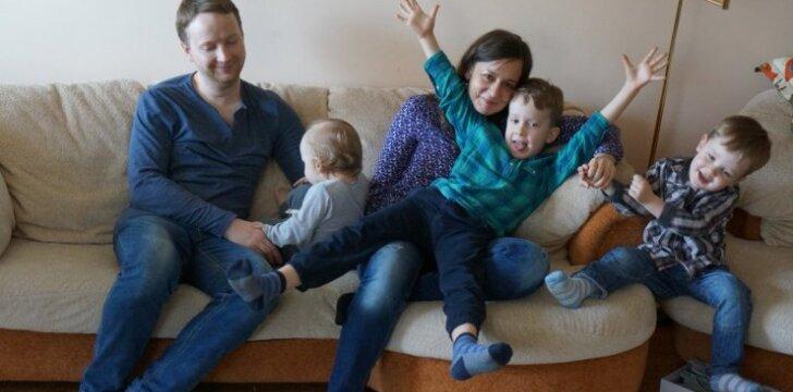 """""""MamaLogo"""" tinklaraštininkė Neringa – apie nepasaldintą ir nepagražintą motinystę"""