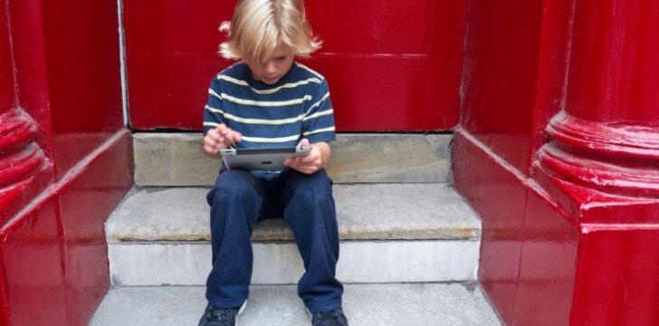Kaip technologijos gali padėti auginti vaikus autistus
