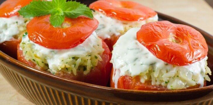 Ryžiais ir žuvimi įdaryti pomidorai