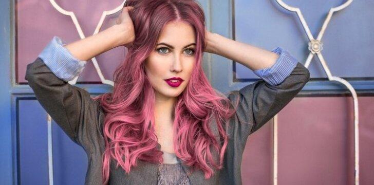 STOP! Tai 5 merginų mėgstamos grožio procedūros, negrįžtamai pakenkiančios plaukams