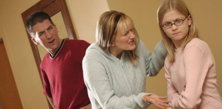 Kodėl paaugliai panašūs į kūdikius: interviu su psichologe