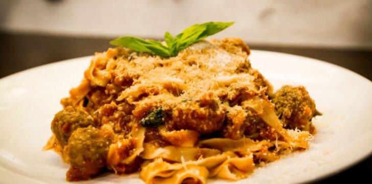Tikras itališkas skonis: makaronai su veršienos kukuliais