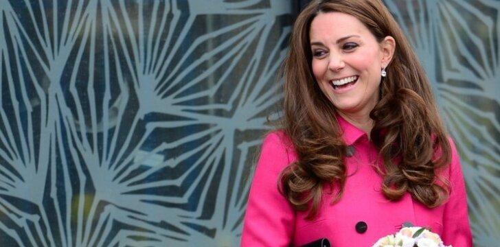 Paskutiniame viešame pasirodyme prieš gimdymą Kate Middleton tiesiog švytėjo