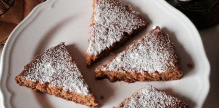 Gardus ir sveikas morkų pyragas
