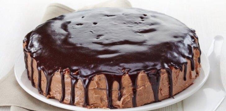 """Labai lengvai pagaminamas <span style=""""color: #ff0000;"""">sausainių ir varškės tortas</span>"""