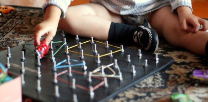 Namuose gaminame originalų lavinamąjį žaislą