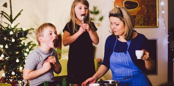 """Beata Nicholson dovanoja naminio plastilino receptą <span style=""""color: #ff0000;""""><sup>VIDEO</sup></span>"""