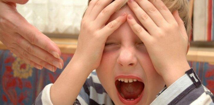 Vaikas rėkia ir neklauso tėvų: pataria psichologė