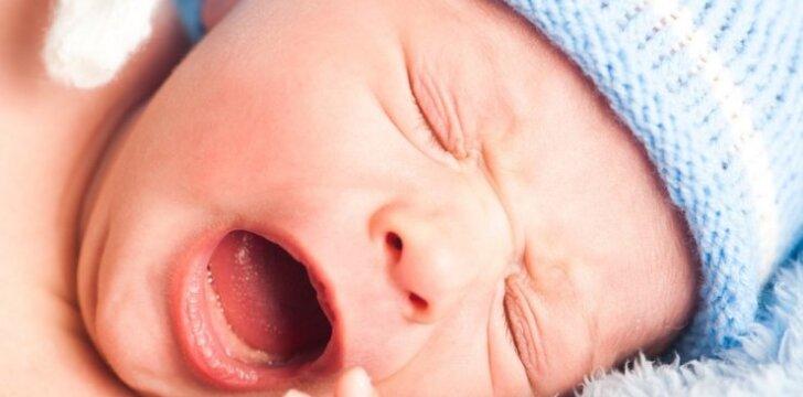 Gydytojas griauna dažniausius mitus apie gimdymą