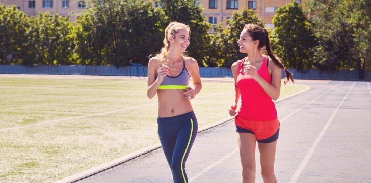 Penki motyvai, kodėl turėtum bėgioti su draugėmis