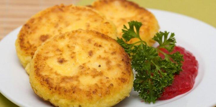 Sūrio blyneliai su pomidorų padažu