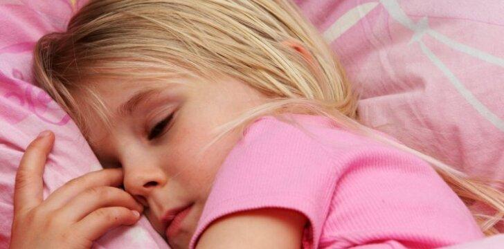 Neįtikėtinas būdas užmigdyti vaikus: užmerkia akis akimirksniu