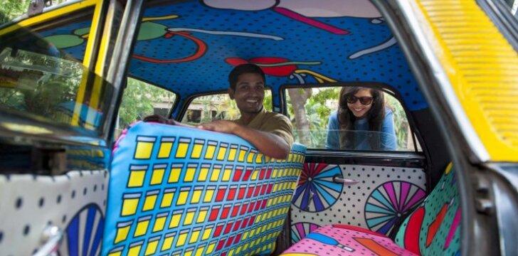 Linksmam pirmadieniui: kodėl verta pasivažinėti Mumbajaus taksi?