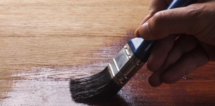 Medienos dirbinių paruošimas ir dažymas