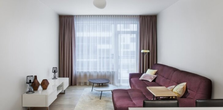 57 kv.m. butas Vilniuje jaunam vyrui: subtilūs, bet charakteringi sprendimai