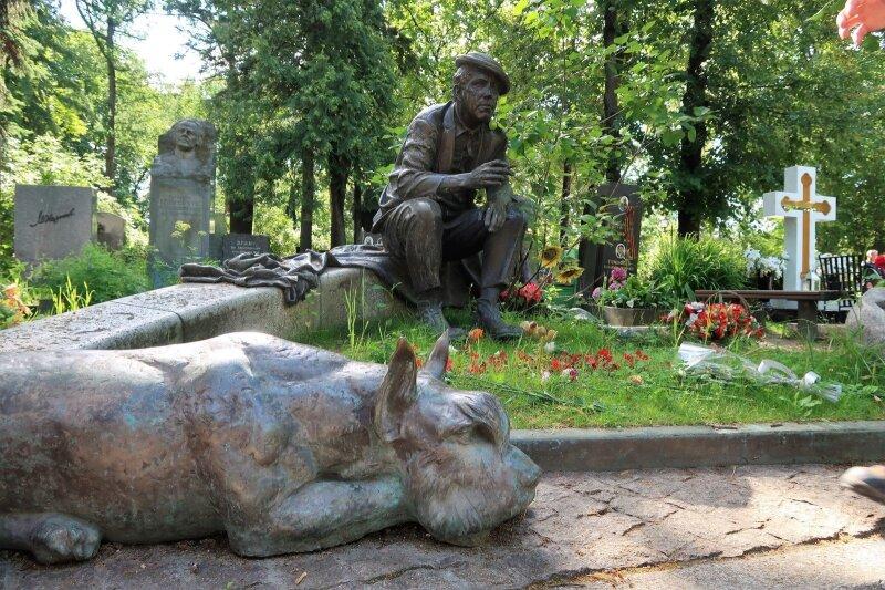 Jurijaus Nikulino kapas