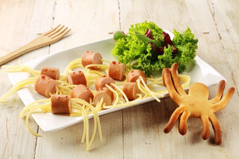 6 lengvi patiekalai su dešrelėmis, kurie patiks mažiesiems