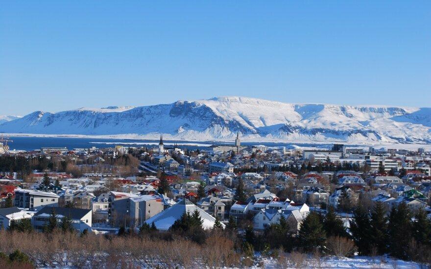 Atvejis Islandijoje sukėlė diskusiją – ar politikių feisbuko nuotraukos negali būti seksualios?