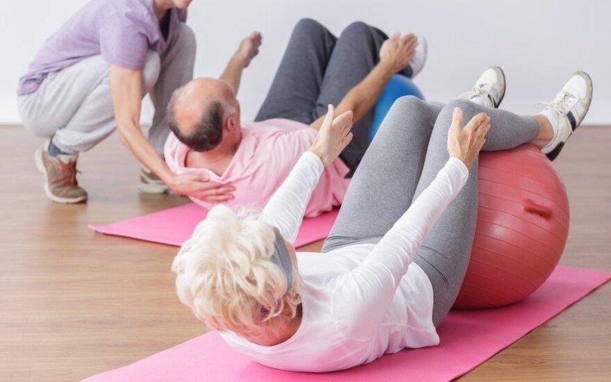 Sostinės senjorai kviečiami stiprinti sveikatą nemokamose mankštose