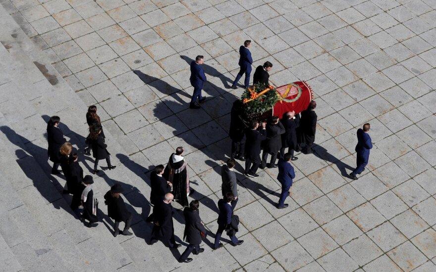 Ispanijoje ekshumuoti diktatoriaus Franco palaikai
