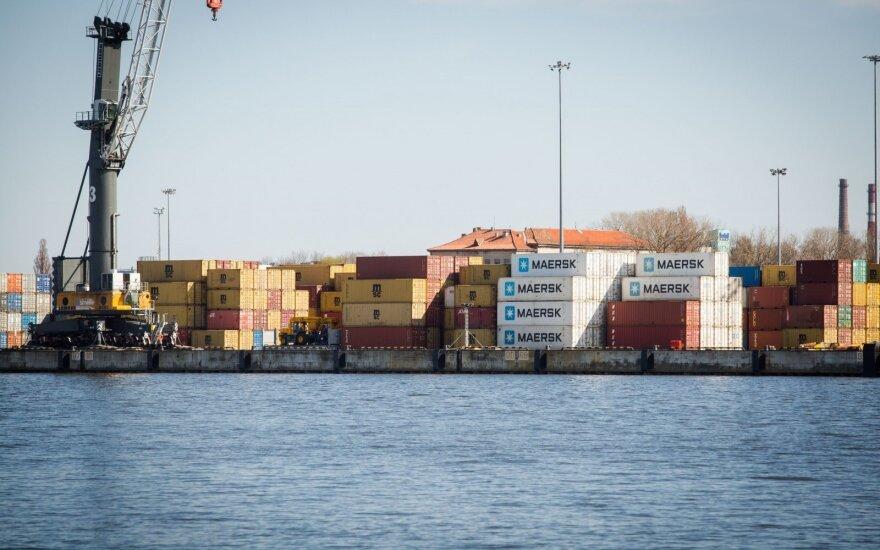 Prekių gabenimas jūra brangsta kartais: neabejojama, kad tai didins kainas Lietuvoje