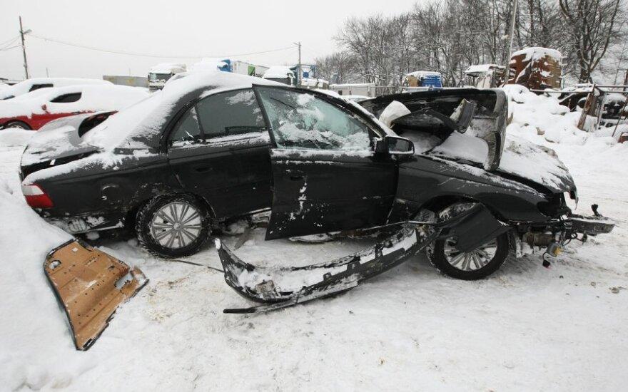 Savaitė šalies keliuose: 74 eismo įvykiai, 5 žmonės žuvo, 99 sužeisti