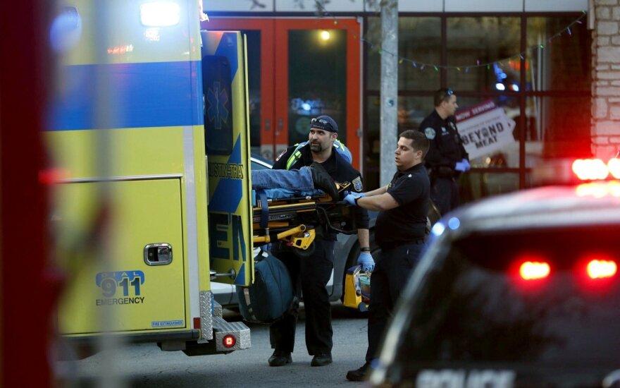 Teksase per peiliu ginkluoto asmens išpuolį žuvo žmogus, dar trys sužeisti