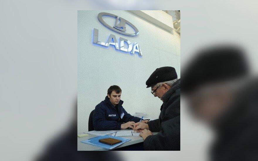 """""""AvtoVAZ"""" pakėlė """"Lada"""" kainas"""