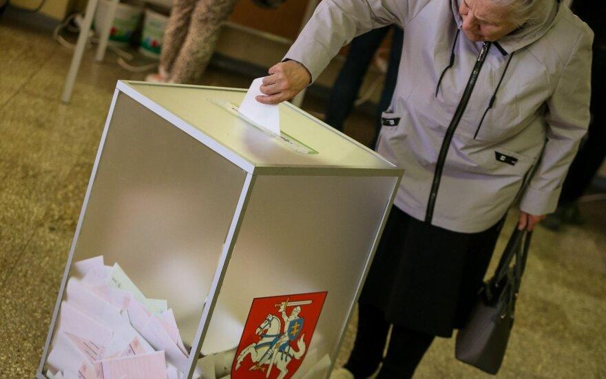 Referendumų rezultatai: paskutiniai balsai dar skaičiuojami