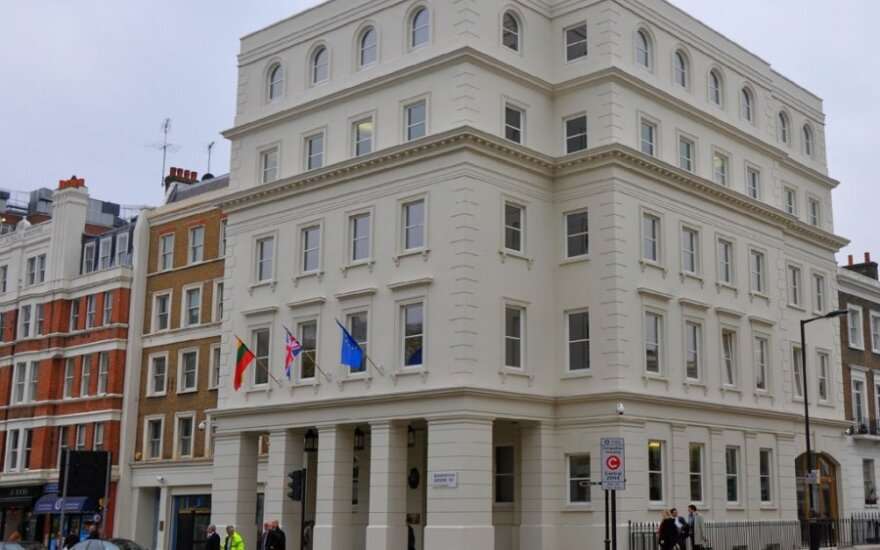Lietuvos ambasada Londone (URM nuotr.)