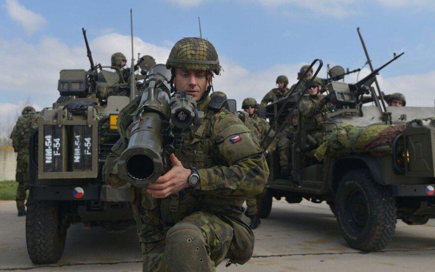 NATO priešakinių pajėgų batalione tarnybą pradėjo Čekijos kariai