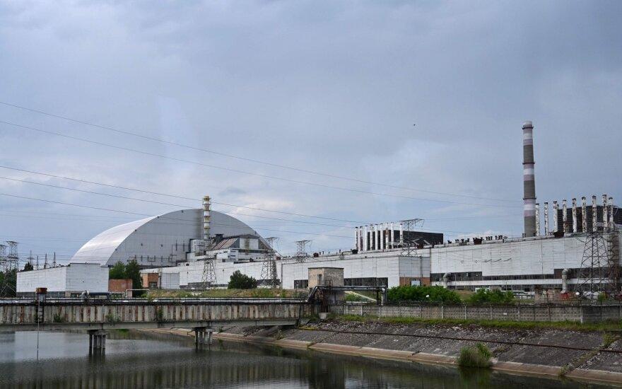 Pradedamas naudoti didžiulis sprogusio Černobylio reaktoriaus naujasis gaubtas