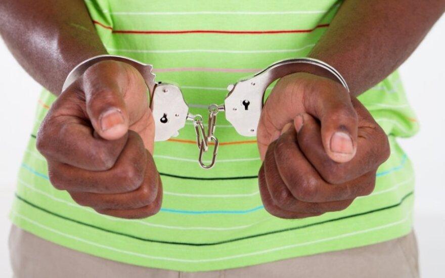 Tris savo vaikus nužudžiusi afrikietė nuteista kalėti 26,5 metų