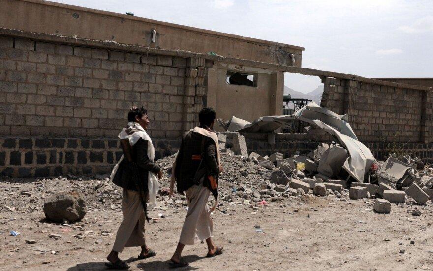 Per Saudo Arabijos koalicijos antskrydį Jemene smogta vestuvėms, žuvo mažiausiai 20 žmonių