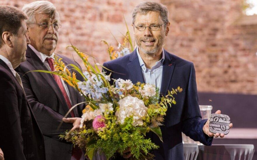 Walteris Lübcke (kairėje)