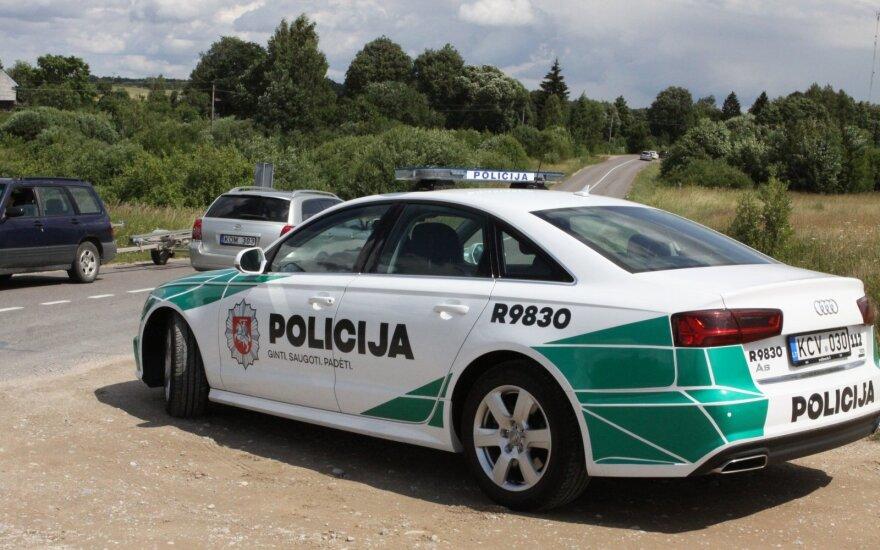 Šilutės rajone žuvo į medį įsirėžusio automobilio vairuotojas