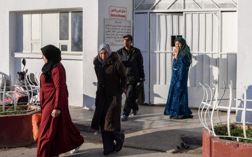 Tunise žuvusių naujagimių artimieji
