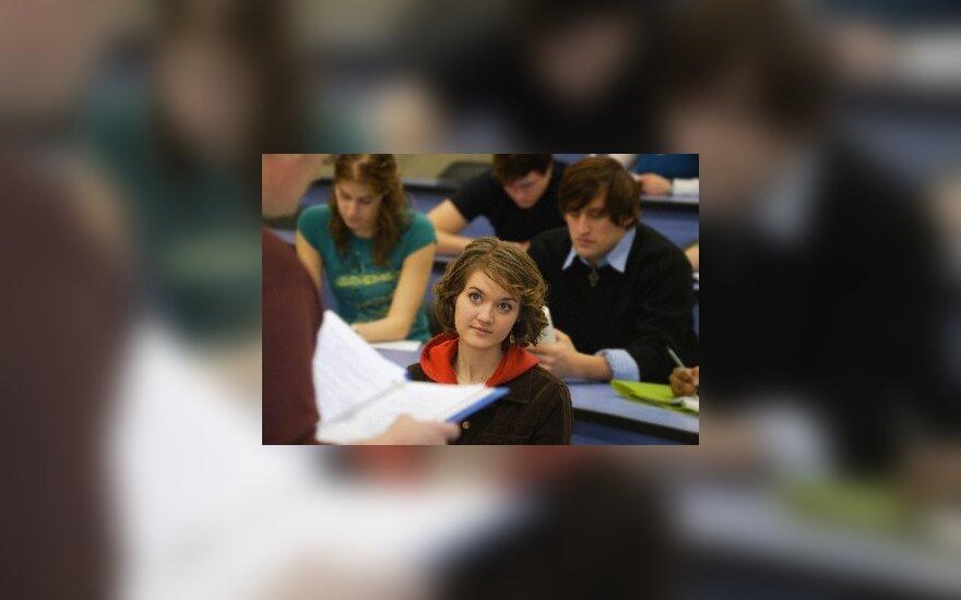 Į socialines stipendijas siūloma leisti pretenduoti ir užsienio aukštųjų mokyklų filialų studentams