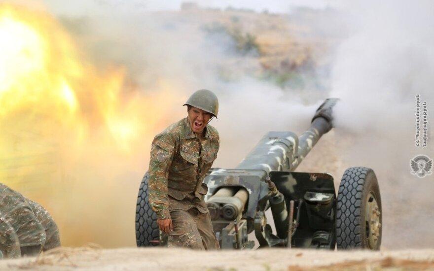 Karas, kuris gali tapti itin kruvinas: ar įmanomas Turkijos ir Rusijos susidūrimo scenarijus