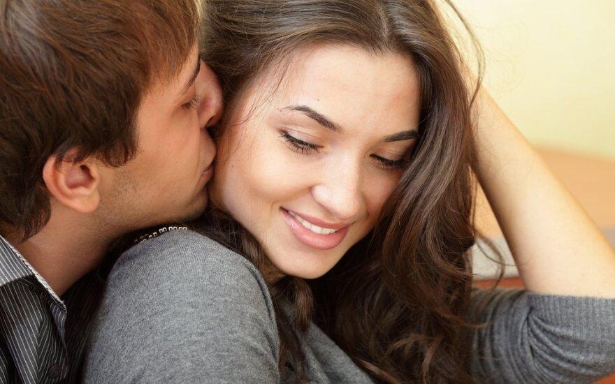 """Kai kurie žmonės moka prišaukti meilę: jie žino, kokį """"mygtuką"""" reikia spausti, kad juos pamiltų"""