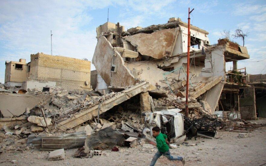 Įstrigo derybos dėl paskutinės sukilėlių kontroliuojamos zonos Sirijos Gutos anklave