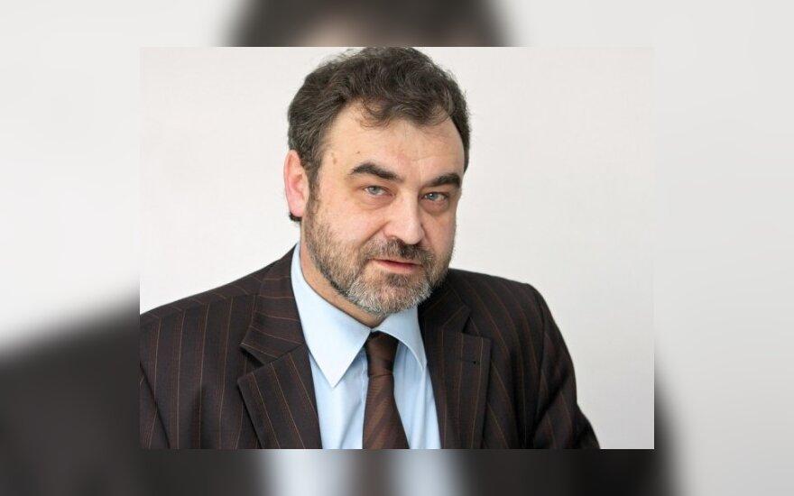 E.Kūris: Seimo perrinkimas tautai pasiūlius, o prezidentui sutikus stiprina prezidentą