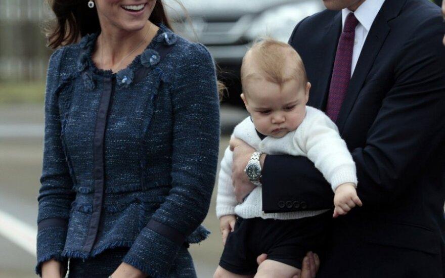 Princas Williamas su žmona Catherine Middleton ir sūneliu George'u