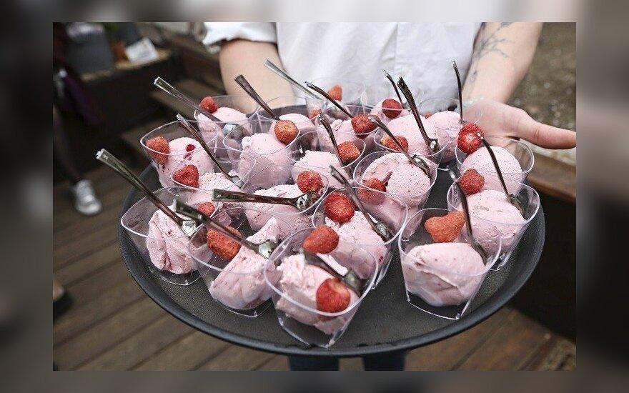 Mangų ir burokėlių ledai