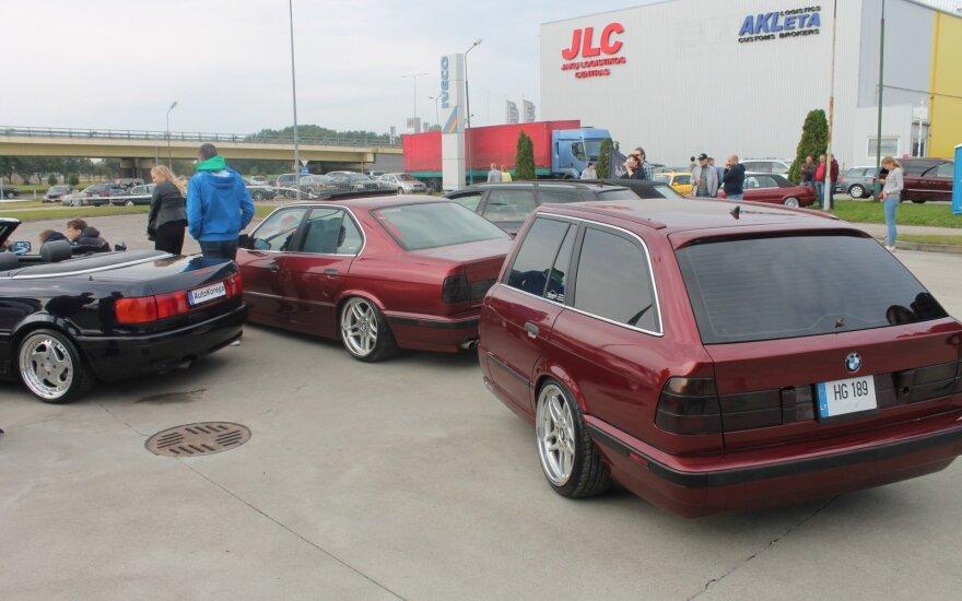 Sezoną Klaipėdoje uždarė išskirtiniai automobiliai