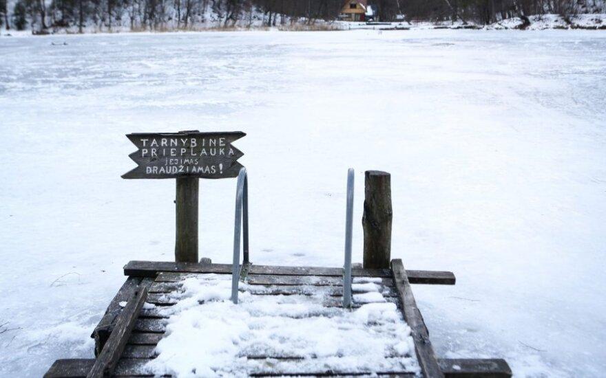 Užšalęs vandens telkinys