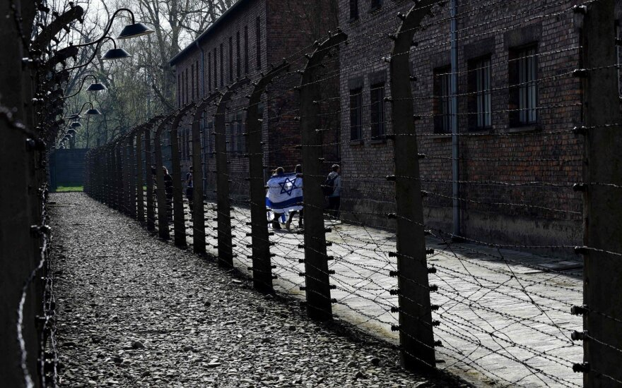 Izraelio ir Lenkijos prezidentai prisidėjo prie jaunimo žygio Holokausto aukoms atminti