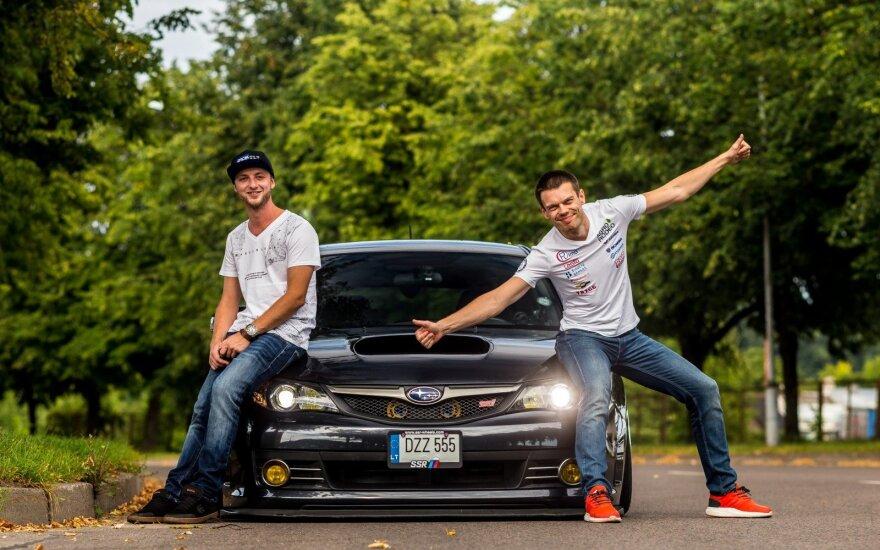 """Vaidotas Žala (dešinėje) išbandė """"Stance"""" kultūros automobilį"""